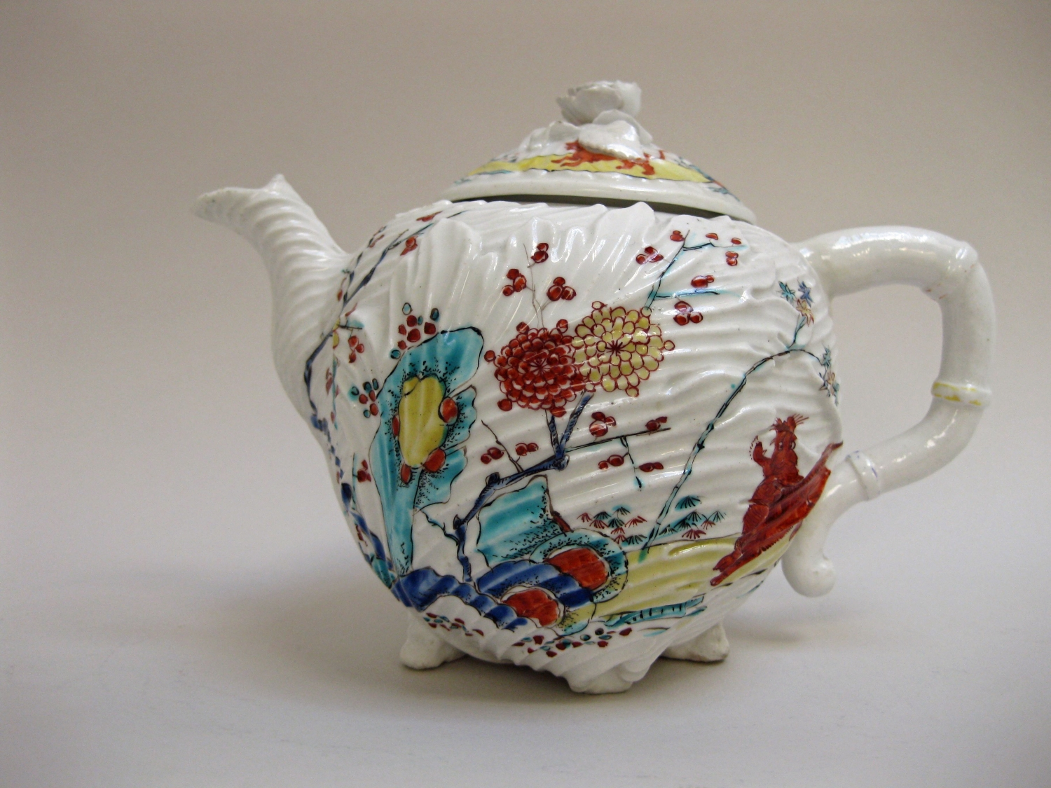 Chelsea teapot and cover