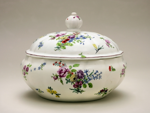 CHELSEA SOUP TUREEN AND COVER