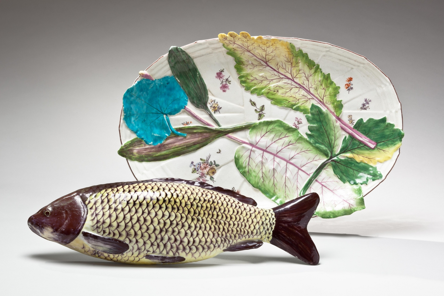 Chelsea carp tureen and stand