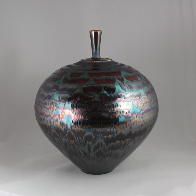 Hideaki Miyamura, Jar with Blue Waves