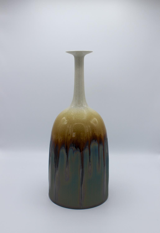 Hideaki Miyamura, Snow Cap Vase with Blue Hare's Fur Glaze