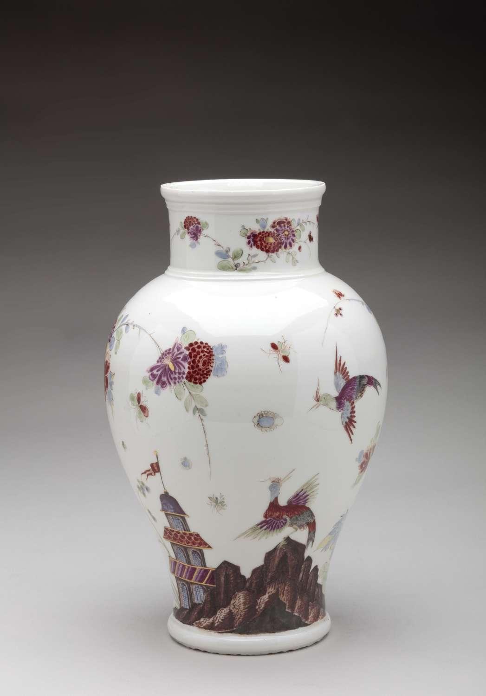 Meissen chinoiserie vase