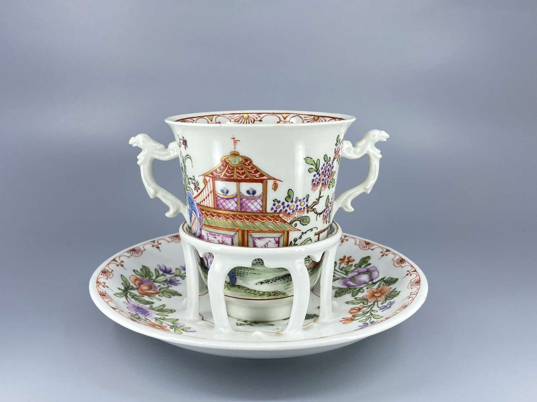 Vienna Du Paquier trembleuse cup and saucer